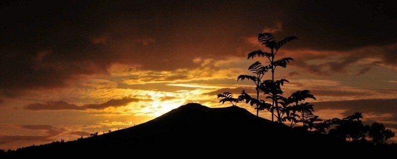 Sugar Loaf Sunset. Pic Ian McCann