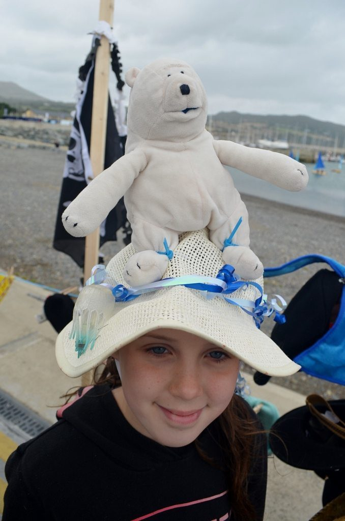 caroline-foundation-hats-ahoy-11sept16-58-678x1024