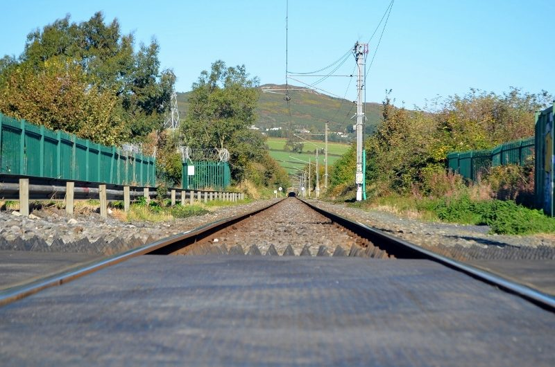 bus-out-of-bray-cliff-walk-18oct16-5-dart-trains-tunnel