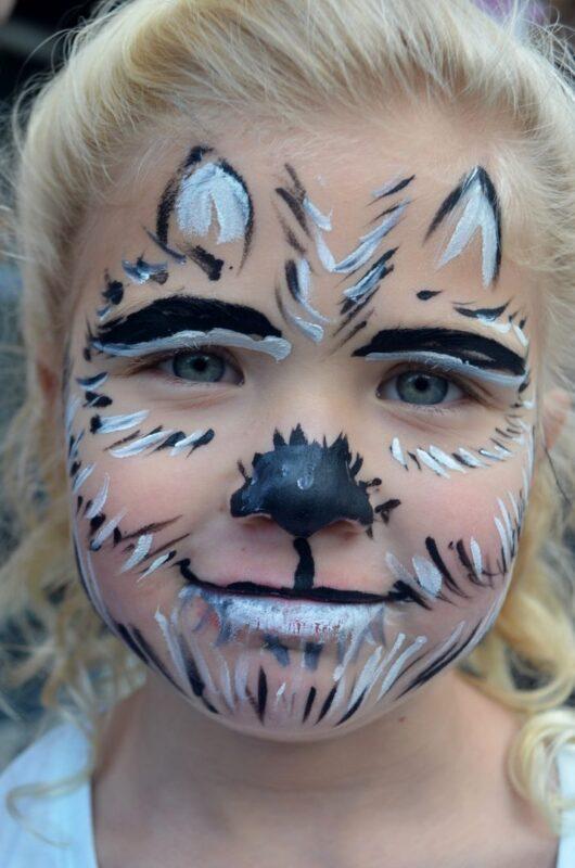 halloween-theatre-lane-face-painting-pumpkins-22oct16-58