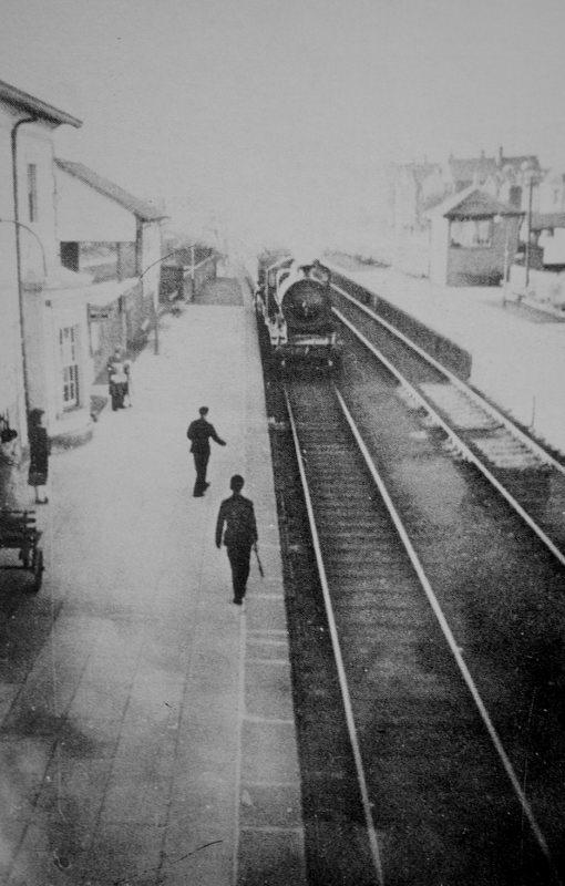 I Hear That Train A-Comin'. Source Derek Paine
